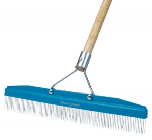 Grandi Groom Carpet Rake 45cm w/handle - Click for more info