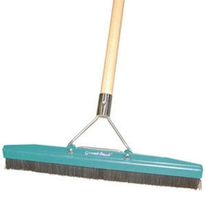 Grandi Groom Brush 45cm w/handle - Click for more info